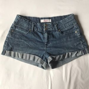 Candie's 5 pocket soft n stretchy jean shorts